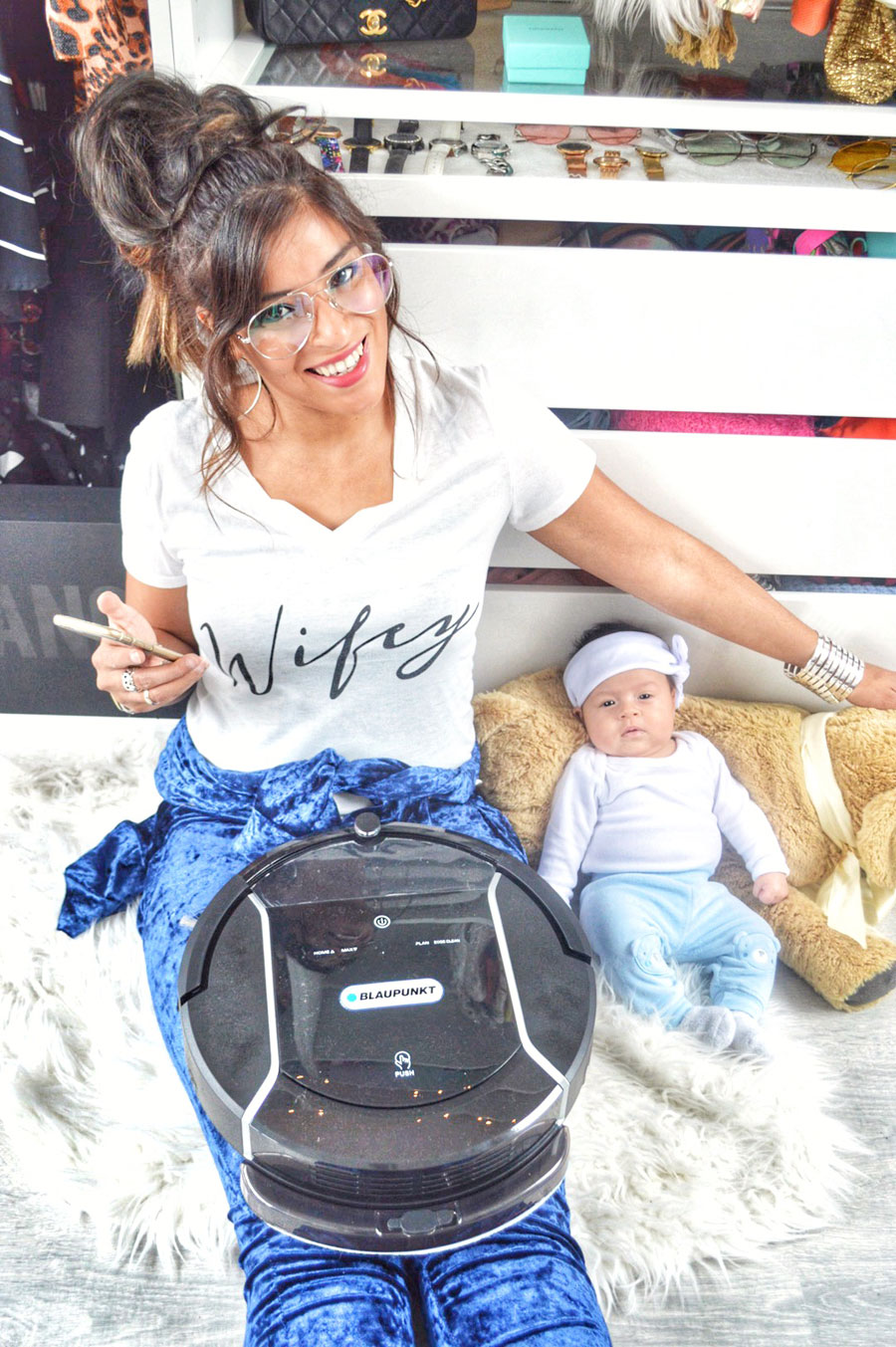 Brand new mother Esmeralda Attema is fan of the automatic Blaupunkt Bluebot XSmart robot Vacuum Cleaner