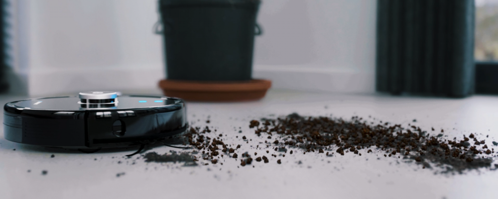 The Blaupunkt Bluebot XTREME robot vacuum cleaner that can also mop your floors.